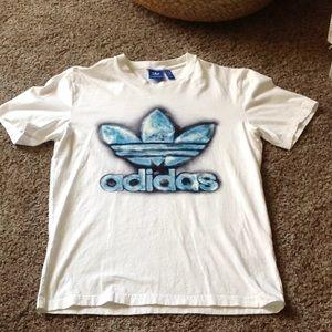 Adidas spray logo tee nwot
